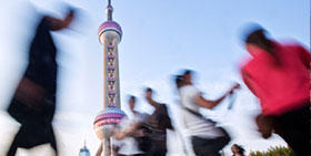 China in 2014: stable growth with risks of financing and overcapacities